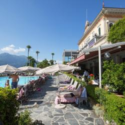 Grand Hotel Villa Serbelloni . pool side